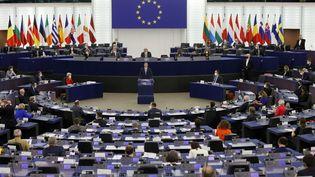 Le Premier ministre polonais Mateusz Morawiecki prononce un discours au Parlement européen à Strasbourg, le 19 octobre 2021. (RONALD WITTEK / POOL / AFP)