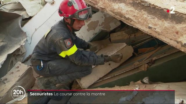 Explosions au Liban : la course contre la montre des secouristes