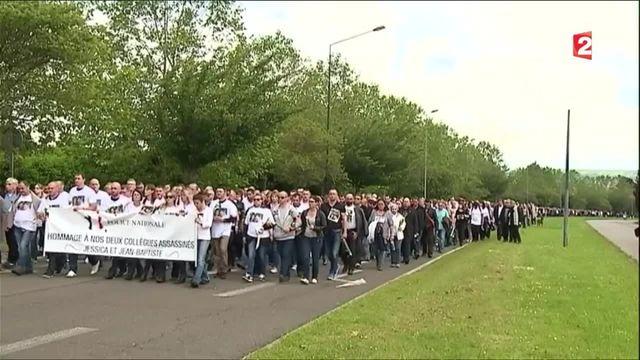 Policiers tués : une marche émouvante en leur mémoire