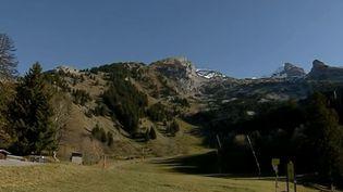 Les montagnes surplombant la commune de La Clusaz (Haute-Savoie). (FRANCE 3)