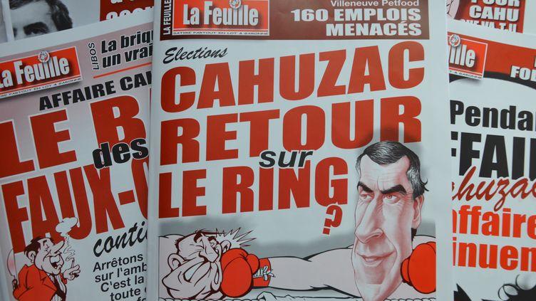 """""""Cahuzac, retour sur le ring ?"""", s'interroge le bimensuel satirique """"La Feuille"""" à Villeneuve-sur-Lot (Lot-et-Garonne). (THOMAS BAIETTO / FRANCETV INFO)"""