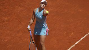 Ashleigh Barty au servicelors du tournoi de Madrid. (OSCAR GONZALEZ / NURPHOTO)