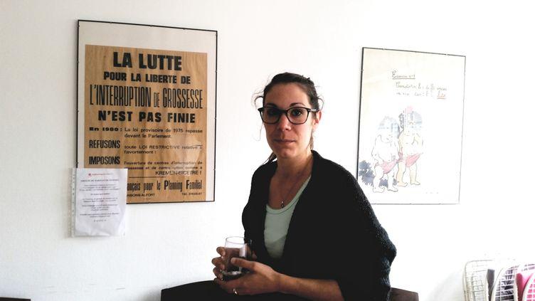 Cécile Guerpillon, conseillère au Planning Familial de Paris, le 30 juin 2017. (BENJAMIN ILLY / FRANCEINFO)