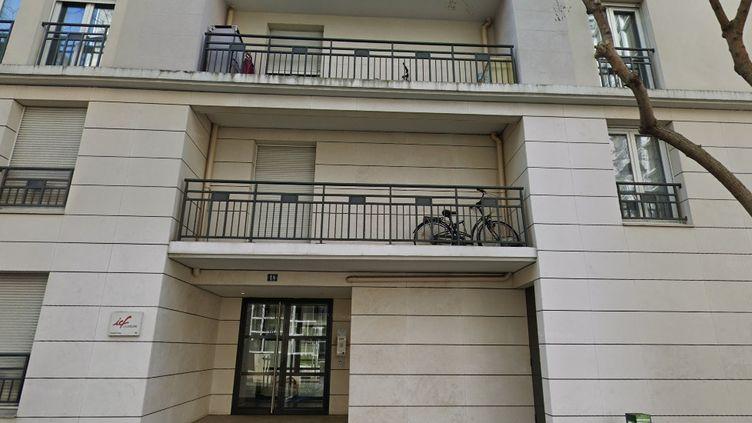 Les faits se sont déroulés dans cet immeuble de Rueil-Malmaison (Hauts-de-Seine), dans la nuit de vendredi à samedi 27 juin. (GOOGLE MAPS)
