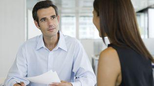 L'entretien professionnel, qui doit avoi lieu tous les six ans, fait l'objet d'un état des lieux récapitulatif du parcours professionnel du salarié. (ERIC AUDRAS  / MAXPPP)