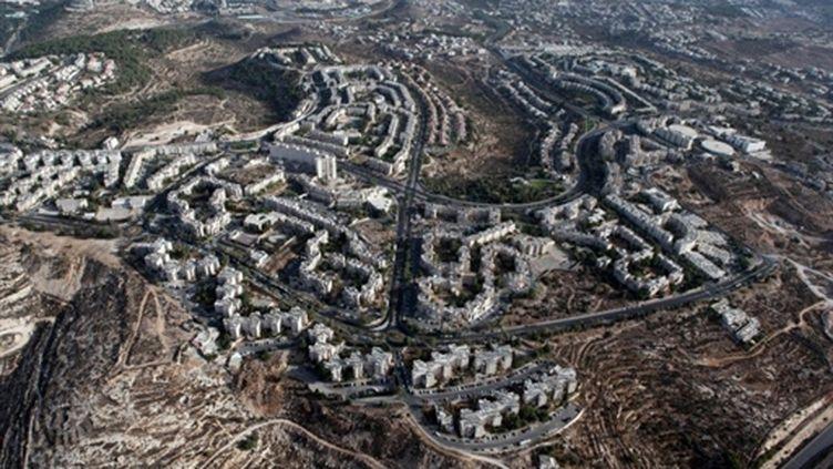 Vue aérienne du quartier de colonisation de Gilo à Jérusalem-est, en septembre 2010. (AFP/YUVAL NADEL)