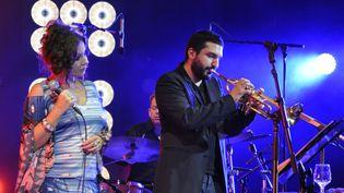 Natacha Atlas et Ibrahim Maalouf sur la scène du Théâtre Antique de Vienne  (Olivier Flandin)