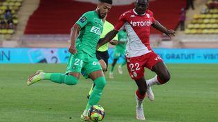 Denis Bouaga, tout en contrôle, a permis à Saint-Etienne de revenir au score à Monaco, mercredi 22 septembre. (VALERY HACHE / AFP)