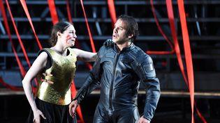 Amira Casar et Nazim Boudjenah lors d'une répétition du Roi Lear deWilliam Shakespeare à l'occasion du Festival d'Avignon en 2015. (ANNE-CHRISTINE POUJOULAT / AFP)