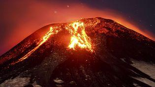 Le volcan Villarrica, sud du Chili, à environ 800 km au sud de Santiago, la capitale, le 3 mars 2015. (LAUTARO SALINAS / AP / SIPA)