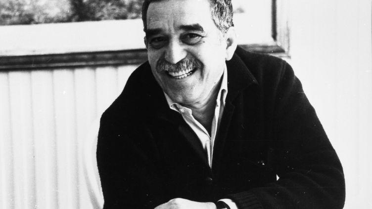 """L'écrivain colombien Gabriel García Márquez, à Bogota (Colombie) en juin 1987, à l'occasion du vingtième anniversaire de son chef d'œuvre, """"Cent ans de solitude"""". ( REUTERS)"""