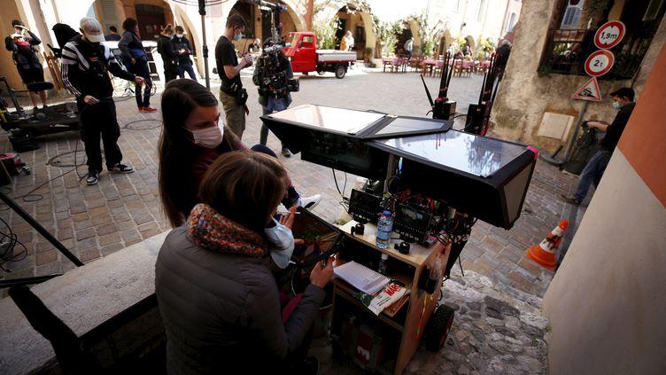 """Le tournage du téléfilm de France 2 """"Crime à Biot"""", le 1er mars 2021 (DYLAN MEIFFRET / PHOTOPQR / NICE MATIN / MAXPPP)"""