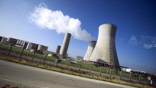 La centrale nucléaire du Tricastin (Drôme), en novembre 2011. (LIONEL BONAVENTURE / AFP)