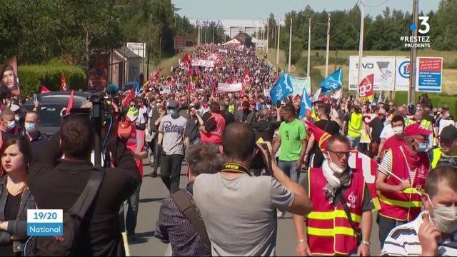 Fermeture d'usines Renault : les salariés d'une filière de la marque manifestent