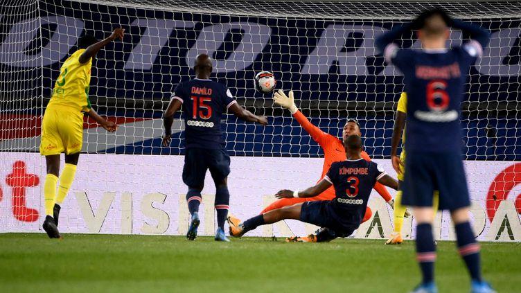 Randal Kolo Muani (Nantes) égalise ici contre le PSG à l'occasion de la 29e journée de Ligue 1, dimanche 14 mars 2021. (FRANCK FIFE / AFP)