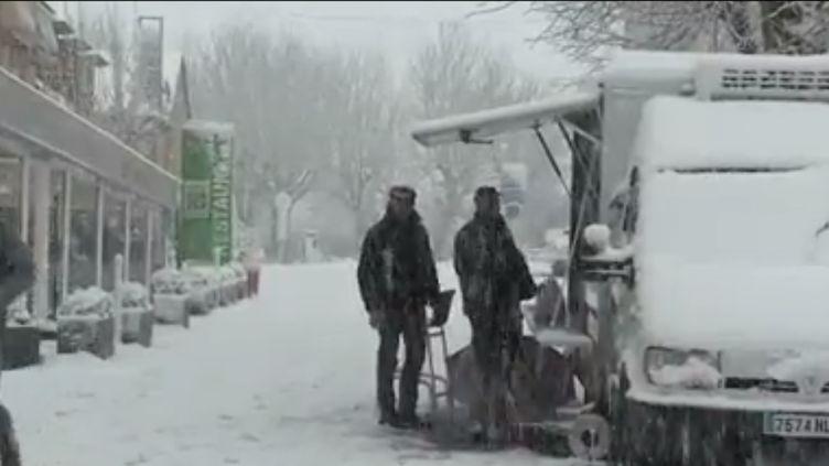 Intempéries : de la neige et des vents violents dans le sud du pays (france 2)