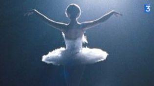 Black Swan : angoisse et danse classique avec Natalie Portman  (Culturebox)