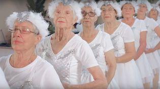 """Des retraités néo-zélandais reprennent le clip """"Shake it off"""" de Taylor Swift.  (Capture d'écran/80oddyearsofhappy)"""