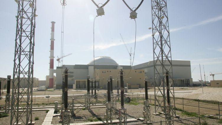 Le bâtiment du réacteur nucléaire de Bushehr, dans le sud de l'Iran, le 26 février 2006. (BEHROUZ MEHRI / AFP)