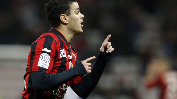 Hatem Ben Arfa a réussi une très belel saison avec l'OGC Nice. (VALERY HACHE / AFP)
