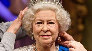 Figure en cire de la reine Elisabeth II. (LEON NEAL / AFP)