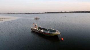 Près de Nantes (Loire-Atlantique) , le lac de Grand-Lieu est un site naturel préservé qui attire les touristes. (FRANCE 3)