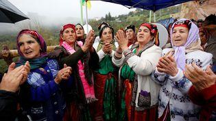 Ces femmes berbères de Kabylie célèbrent Yennayer, le nouvel An amazigh, près de Tizi-Ouzou, le 12 janvier 2020. ((Photo by Billal Bensalem/NurPhoto))