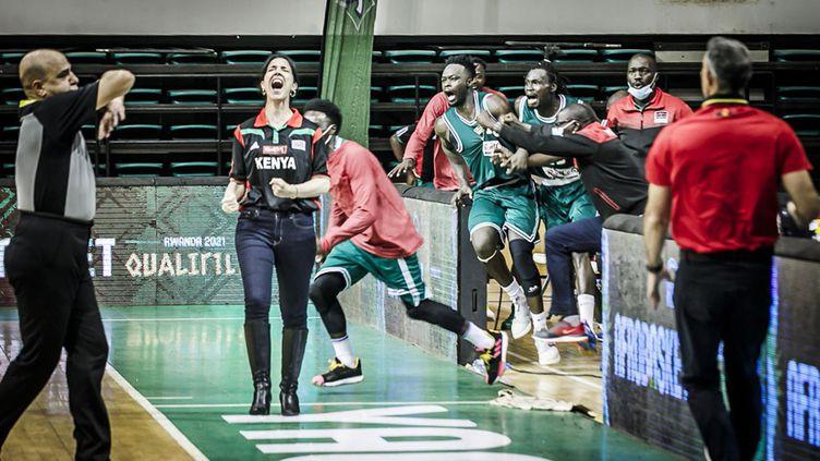 Liz Mills, l'entraîneur de la sélection masculine de basket du Kenya, lors du match contre l'Angola le 20 février dernier à Yaoundé (Cameroun) lors des qualifications pour l'Afrobasket 2021