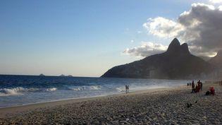 La plage d'Ipanema, dont l'une des habituées inspira l'une des chansons les plus jouées au monde... (avril 2012)  (Annie Yanbékian)