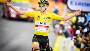 Tadej Pogacar (UAE-Emirates) lors de la 17e étape du Tour de France 2021. (DAVID STOCKMAN / BELGA MAG / AFP)