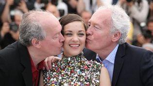 Marion Cotillard et les frères Dardenne à Cannes  (BORDE-MOREAU / BESTIMAGE)