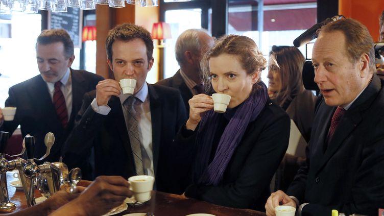 De gauche à droite,Jean-François Legaret,Natahlie Kosciusko-Morizet, etPierre-Yves Bournazel,prennent un café, le 9 avril 2013, à Paris, avant l'examen de leurs parrainages pour la primaire UMP des municipales de 2014. (PATRICK KOVARIK / AFP)