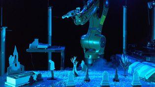 """""""Artefact"""" la nouvelle création installation du metteur en scène Joris Mathieu pose la question de l'humain au milieu des objets  (Nicolas Boudier)"""
