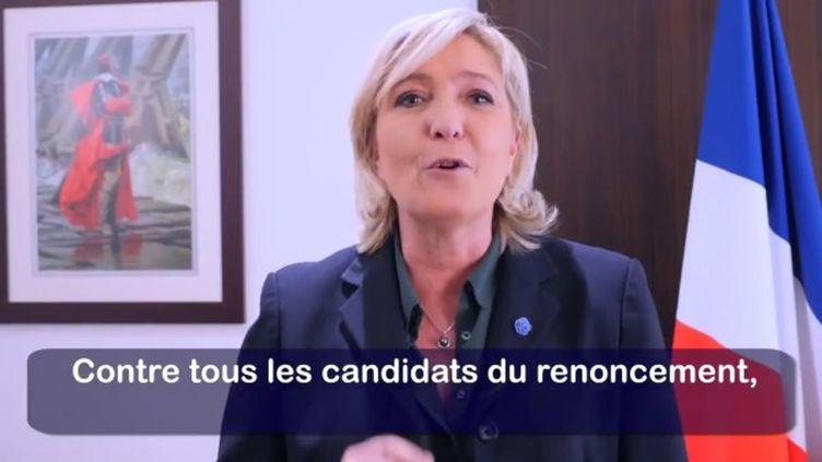 Capture d'écran des vœux de Marine Le Pen, le 31 décembre 2016. (MLP_OFFICIEL / FRANCEINFO)