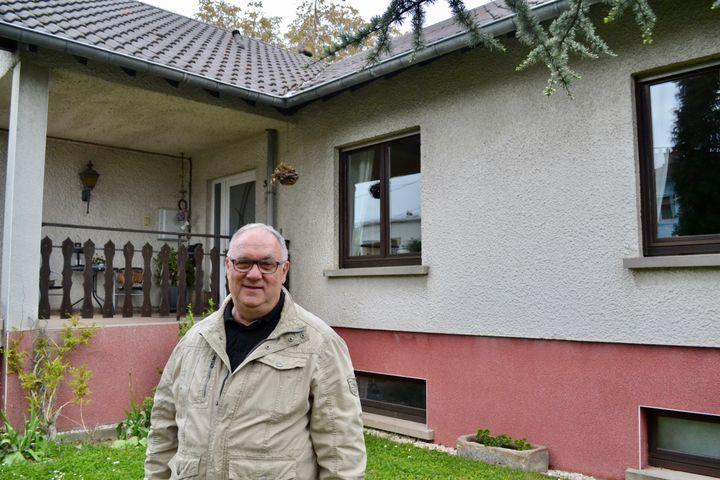 L'ancien maire de Behren-lès-Forbach, Michel Obiegala. (NOEMIE BONNIN / RADIO FRANCE)