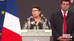 Patricia Raichini, maire dePetit-Palais-et-Cornemps (Gironde), lors de la cérémonie en hommage aux victimes de l'accident de Puisseguin, le 27 octobre 2015. ( FRANCE 2)