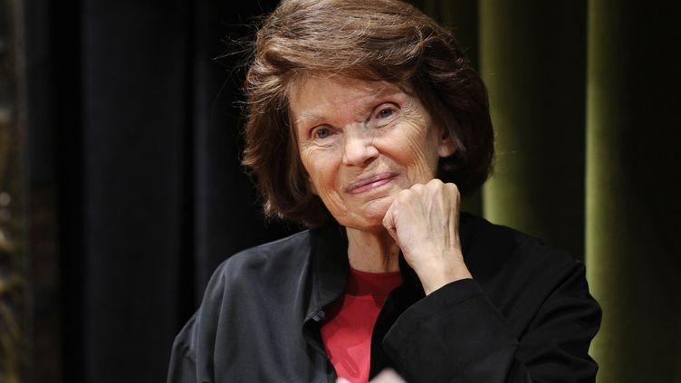 L'ancienne Première dame de France, Danielle Mitterrand, photographiée le 4 octobre 2011 à Paris. (MIGUEL MEDINA / AFP)