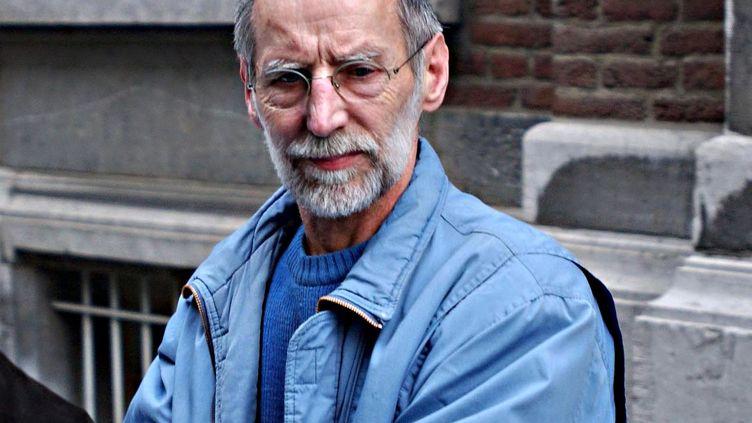 Michel Fourniret devant le tribunal de Dinant, en Belgique, le 9 juillet 2004. (MAXPPP)