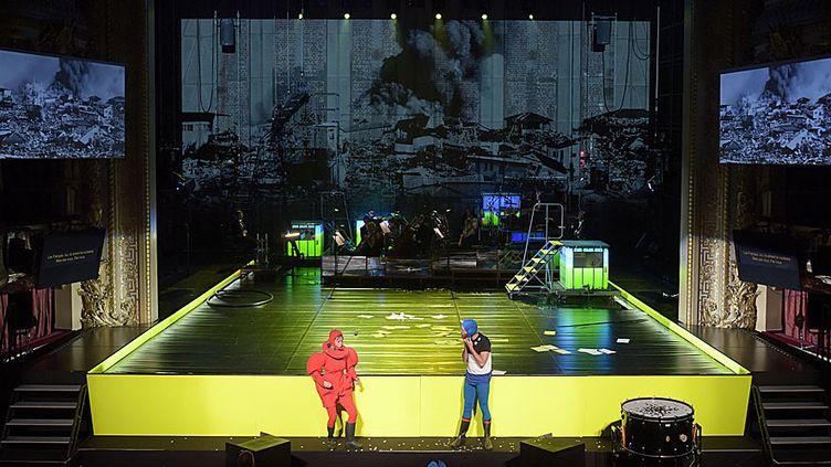 """""""Kein Licht"""" à l'Opéra Comique. Scène de la conversation entre Hans et Grete.  (Vincent Pontet)"""