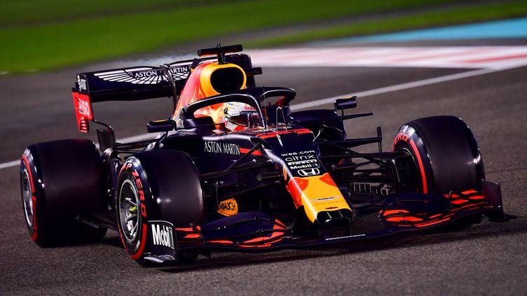 Le Néerlandais Max Verstappen a réalisé sa première pole de la saison lors du dernier GP à Abu Dhabi (GIUSEPPE CACACE / POOL)
