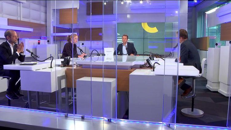 De gauche à droite : Guillaume Daret, Marion Mourgue,Marc Fauvelle et Renaud Dély. Le plateau des informés du 7 septembre 2021. (FRANCEINFO / RADIO FRANCE)