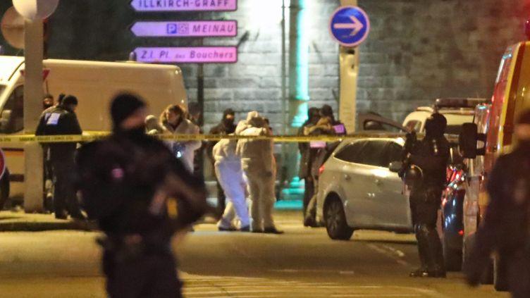 La police scientifique dans la rue du Lazaret à Strasbourg (Bas-Rhin), où Cherif Chekatt a été abattu, le 13 décembre 2018. (MAXPPP)
