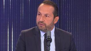 Sébastien Chenu, porte-parole du Rassemblement national et député du Nord, était l'invité de franceinfo le 17 septembre 2021. (FRANCEINFO / RADIOFRANCE)