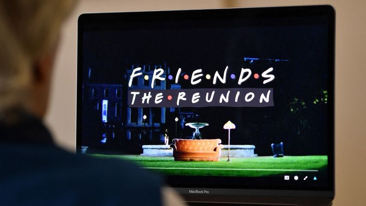 Image d'illustration du générique de l'épisode de retrouvailles de la série Friends. (CHRIS DELMAS / AFP)