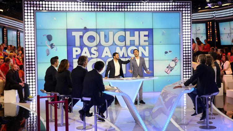 """Cyril Hanouna présente son émission """"Touche pas à mon poste"""", le 13 octobre 2014 sur C8. (MAXPPP)"""