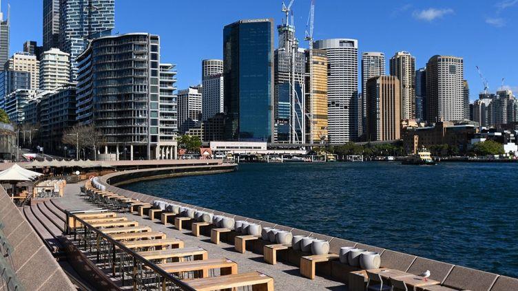 Un quartier de Sydney (Australie)reconfiné en raison de la présence du variant Delta, le 26 juin 2021. (SAEED KHAN / AFP)