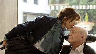 """Sophie Marceau et André Dussolier dans """"Tout s'est bien passé"""" de François Ozon. (CAROLE BETHUEL - MANDARIN PRODUCTION)"""