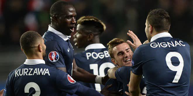 La joie des Bleus après l'égalisation d'Antoine Griezmann contre l'Albanie