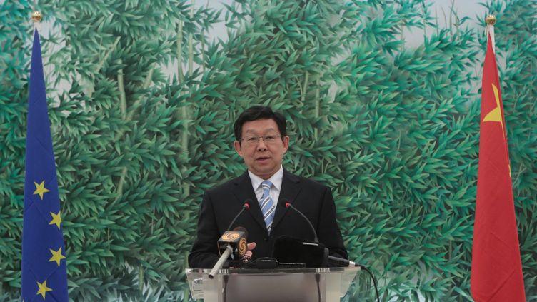 Le ministre du Commerce extérieur chinois, Chen Deming, le 14 juillet 2011 lors d'une conférence de presse à Pékin (Chine). (XING GUANGLI / XINHUA / AFP)