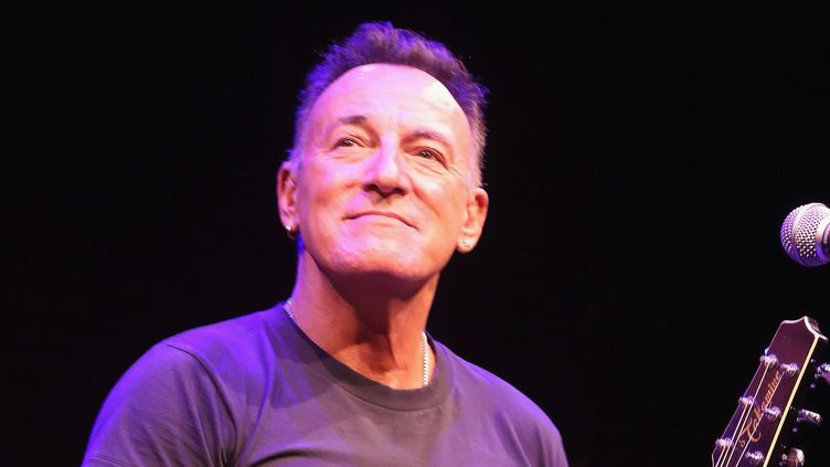 "Bruce Springsteen dans son show ""Springsteen on Broadway"".  (Bruce Glikas /Film Magic / Getty )"